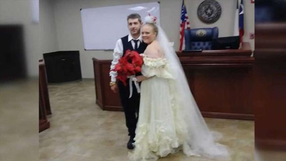 Cô dâu, chú rể chết thảm ngay trong ngày cưới - Ảnh 1.