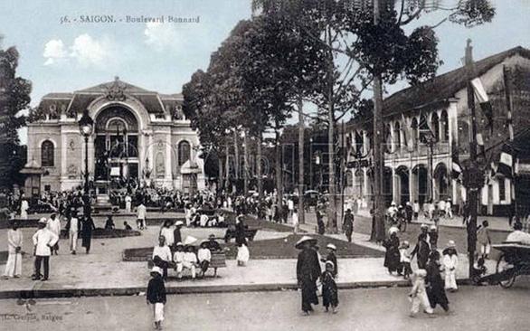 Đường Sài Gòn xưa được thắp sáng bằng loại dầu gì, từ năm nào? - Ảnh 1.
