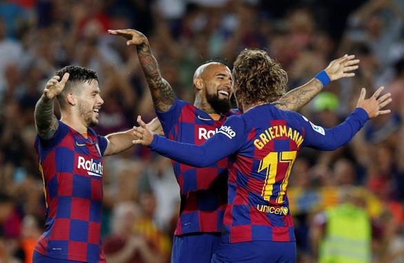 Griezmann lập cú đúp giúp Barca lội ngược dòng đá bại Real Betis - Ảnh 4.