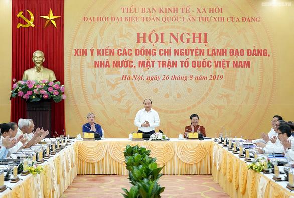 Xin ý kiến nguyên lãnh đạo Đảng, Nhà nước về chiến lược phát triển 10 năm tới - Ảnh 1.