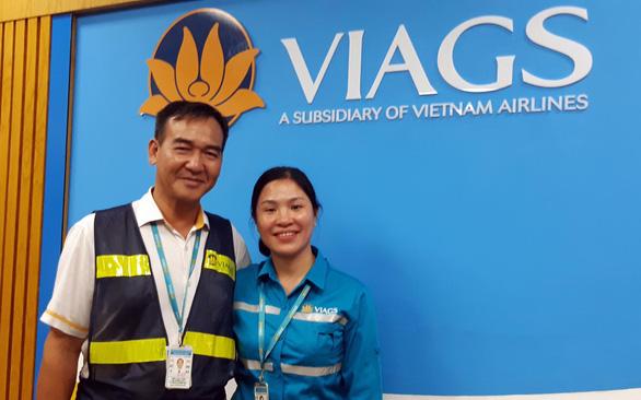 Nhân viên Việt Nam trả lại khách đi máy bay 50.000 đô Singapore - Ảnh 1.