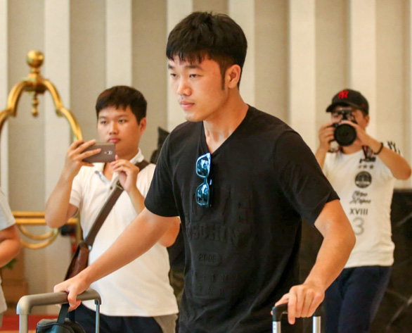 Xuân Trường đứt dây chằng phải nghỉ 9 tháng, chia tay đội tuyển Việt Nam - Ảnh 1.