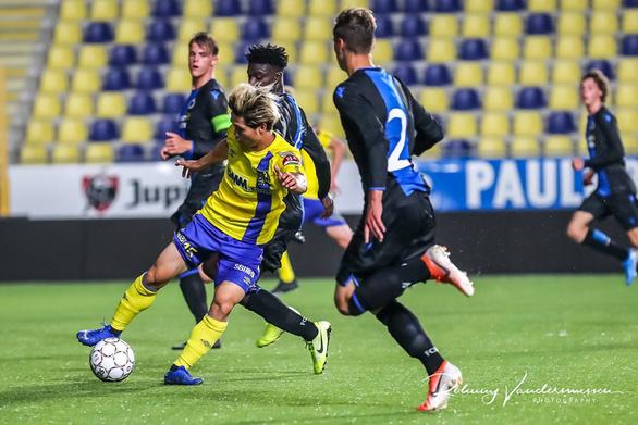 Ảnh Công Phượng đá chính tả xung hữu đột cùng đội U21 Sint Truiden - Ảnh 1.