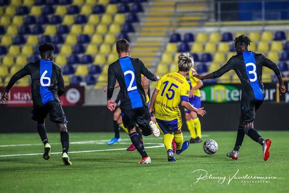 Ảnh Công Phượng đá chính tả xung hữu đột cùng đội U21 Sint Truiden - Ảnh 2.