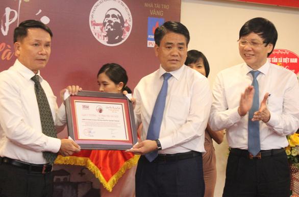 Đường đua F1 và ý tưởng hồi sinh sông Tô Lịch nhận Giải Bùi Xuân Phái - Ảnh 4.