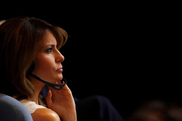 Tổng thống Trump nói nhầm bà Melania quen biết ông Kim Jong Un - Ảnh 1.