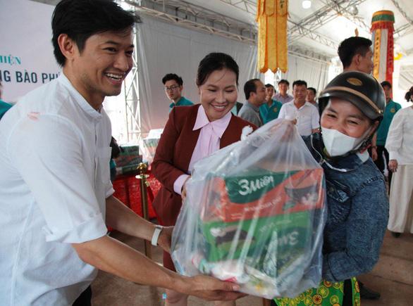 Phú Quốc: 600 phần quà được trao tặng đồng bào bị thiệt hại do lũ lụt - Ảnh 2.