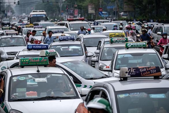 Taxi Hà Nội 5 màu, nhận diện ra sao? - Ảnh 1.