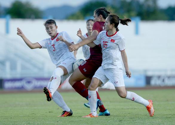 10 người Việt Nam đá bại Thái Lan, vô địch bóng đá nữ Đông Nam Á 2019 - Ảnh 3.