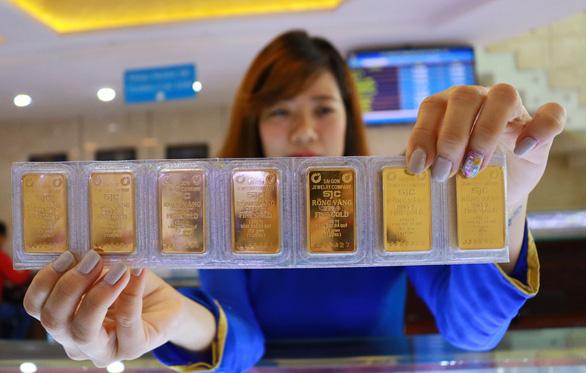 Giá vàng trong nước tách khỏi xu hướng thế giới - Ảnh 1.