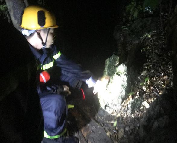 Một người tử vong khi tham gia cứu 4 du khách lạc ở bán đảo Sơn Trà - Ảnh 1.