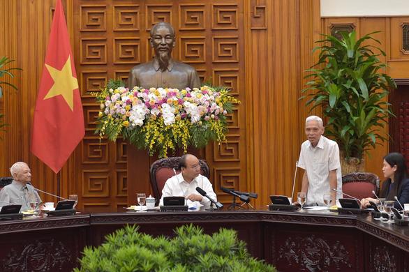 Thủ tướng gặp mặt các cán bộ từng trực tiếp phục vụ, bảo vệ Bác Hồ - Ảnh 2.