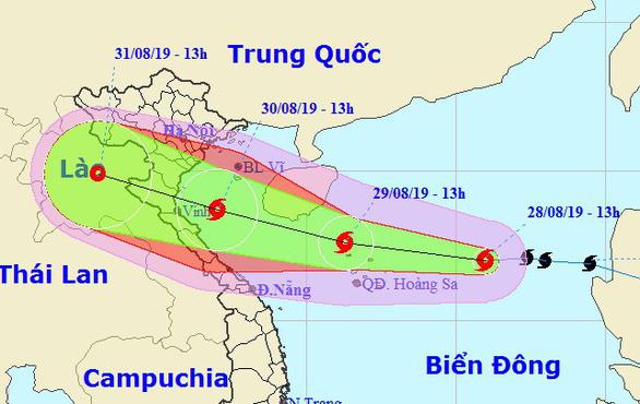 Bão số 4 đổ bộ Thanh Hóa - Quảng Bình chiều tối 30-8, mưa rất lớn - Ảnh 1.