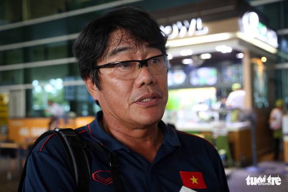 Sân bay Tân Sơn Nhất đìu hiu đón các nữ tuyển thủ tân vô địch Đông Nam Á - Ảnh 12.