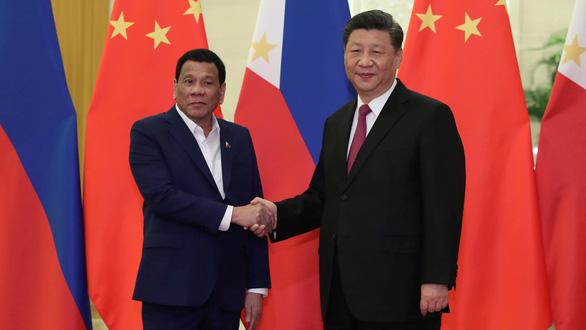 Tổng thống Duterte thăm Trung Quốc: tâm điểm là khai thác dầu khí ở Biển Đông - Ảnh 1.