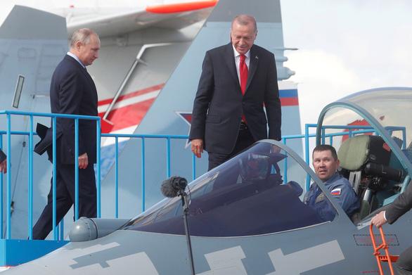 Mua xong tên lửa Nga, Thổ tính mua tiếp máy bay chiến đấu - Ảnh 1.