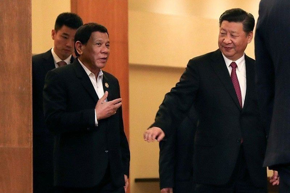 Thấy gì ở chuyến thăm Trung Quốc của ông Duterte? - Ảnh 1.