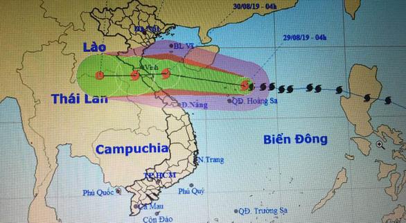 Áp thấp sắp thành bão cách Hoàng Sa 740km, những thành phố nào có thể ngập lụt? - Ảnh 1.