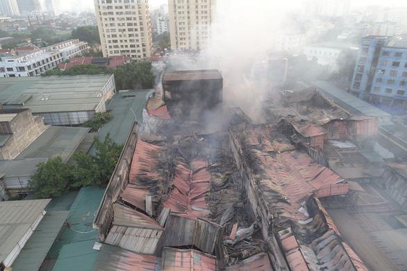 Chưa rõ nguyên nhân gây cháy ở Công ty Rạng Đông - Ảnh 1.