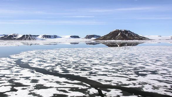 Nga phát hiện 5 hòn đảo mới ở Bắc Cực nhờ băng tan - Ảnh 1.