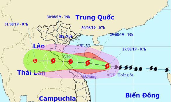 Bão số 4 di chuyển nhanh, dự kiến đổ bộ Nghệ An - Quảng Bình sáng đến trưa mai - Ảnh 2.