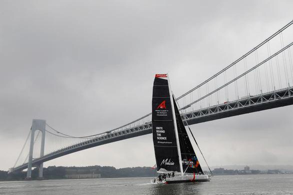 Nữ sinh 16 tuổi vượt Đại Tây Dương bằng thuyền để đi họp môi trường - Ảnh 3.