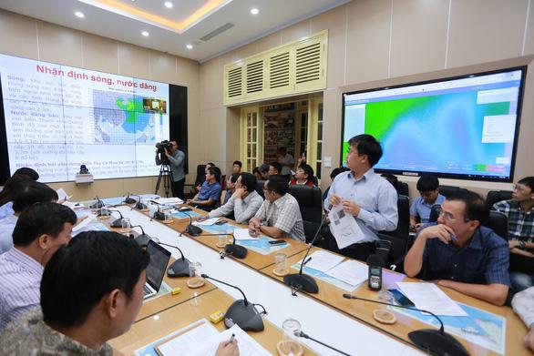 Bão số 4 di chuyển nhanh, dự kiến đổ bộ Nghệ An - Quảng Bình sáng đến trưa mai - Ảnh 3.