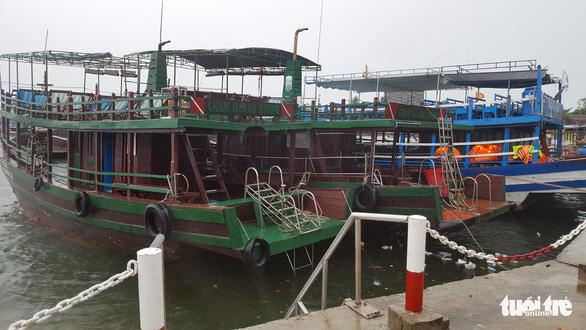 Dừng hoạt động tàu ra vào Cù Lao Chàm, đưa 125 người vào bờ - Ảnh 3.