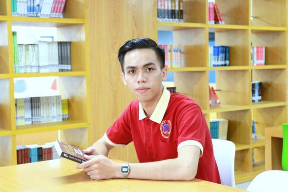 Cậu học trò từ bỏ đại học y để theo đuổi đam mê tại SIU - Ảnh 1.