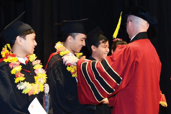 Cậu học trò từ bỏ đại học y để theo đuổi đam mê tại SIU - Ảnh 2.