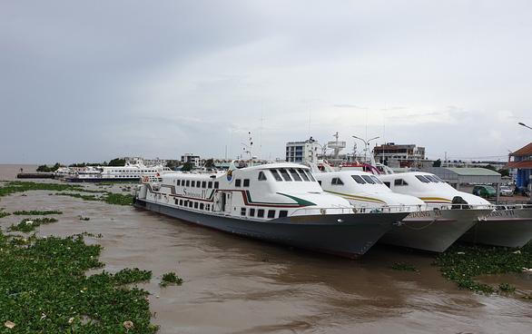 Tạm dừng toàn bộ tàu, phà ra đảo Phú Quốc do ảnh hưởng bão số 4 - Ảnh 1.