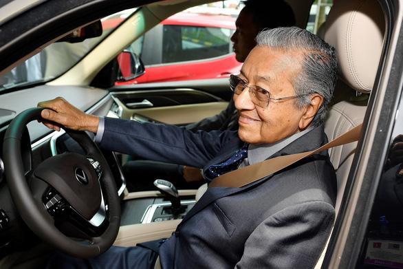 Thủ tướng Mahathir khen người Việt ham học, ấn tượng trước bước tiến của Việt Nam - Ảnh 1.
