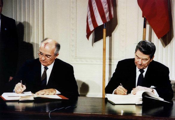 Vừa rút khỏi hiệp ước hạt nhân INF với Nga, Mỹ tuyên bố phát triển tên lửa mới - Ảnh 2.