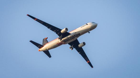 Airbus sắp ra mắt máy bay có sải cánh như chim hải âu - Ảnh 1.