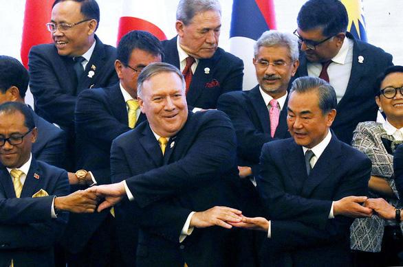 Ở ASEAN, ngoại trưởng Mỹ lên án trực diện Trung Quốc - Ảnh 1.