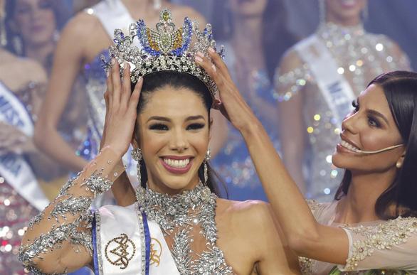 Cô sinh viên 19 tuổi đăng quang Hoa hậu Venezuela 2019 - Ảnh 1.