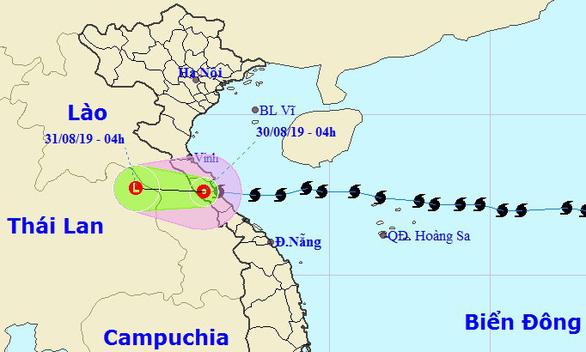 Bão số 4 đổ bộ Hà Tĩnh - Quảng Bình, suy yếu thành áp thấp nhiệt đới - Ảnh 4.