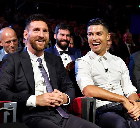 Ronaldo hy vọng sẽ ăn tối cùng Messi trong tương lai - Ảnh 1.