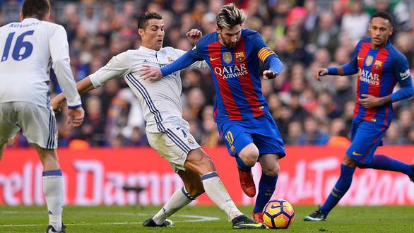 Ronaldo hy vọng sẽ ăn tối cùng Messi trong tương lai - Ảnh 2.