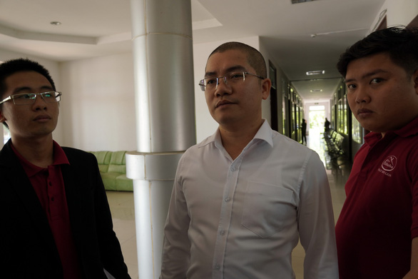 Chủ tịch địa ốc Alibaba đến đối chất với nhân viên tại nhà tạm giam - Ảnh 1.