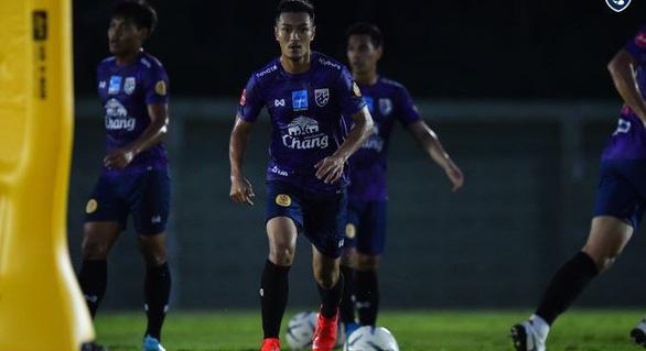 Cầu thủ Thái Lan: 'Không khí tập luyện mỗi ngày một căng thẳng hơn' - Ảnh 1.