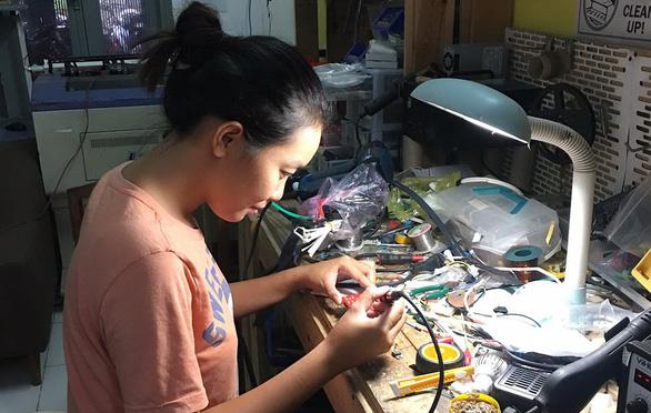 Cô nhân viên ngân hàng đam mê sáng chế vì môi trường - Ảnh 1.