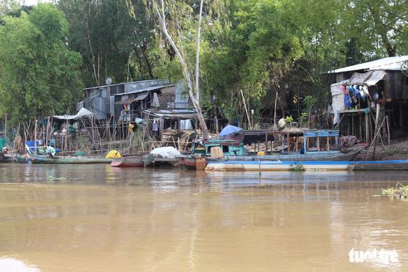 Lũ sông Tiền, sông Hậu đến trễ hơn 1 tháng, giờ bắt đầu lên - Ảnh 1.
