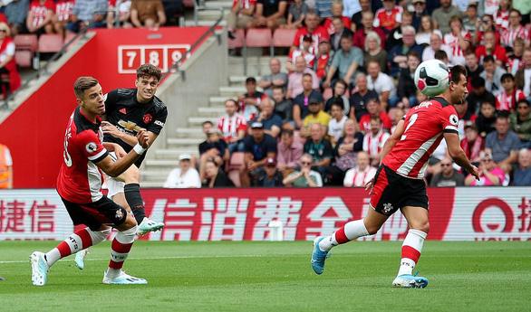 Hòa Southampton dù đá hơn người, M.U nối dài chuỗi không thắng - Ảnh 1.