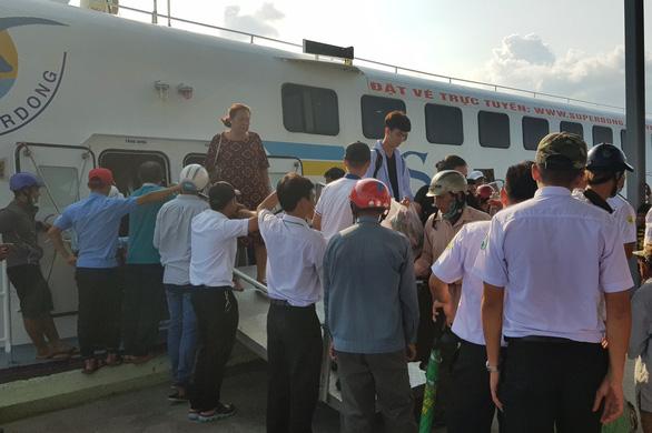 Tăng nhiều chuyến tàu từ đất liền đi Phú Quốc - Ảnh 1.