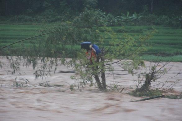 Bắc Bộ, Trung Bộ mưa cả tuần tới, nguy cơ lũ quét nhiều nơi - Ảnh 1.