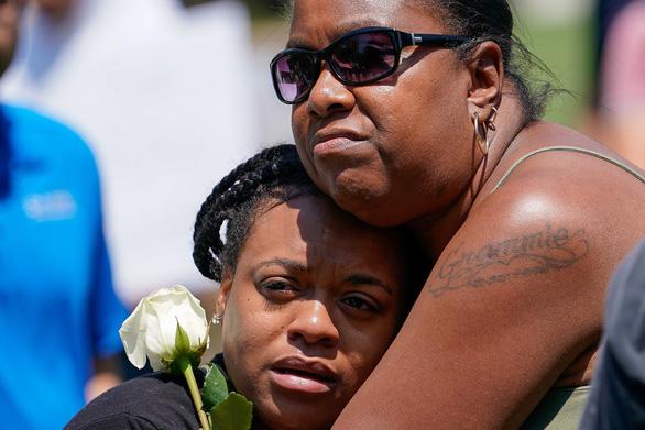 Chỉ 30 giây, tay súng ở Dayton giết 9 người, trong đó có em gái mình - Ảnh 1.