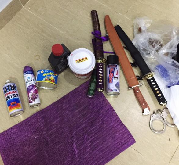 Vụ khủng bố quán phở Hòa: Ném mắm tôm, bỏ gián vào phở trước mặt khách - Ảnh 5.