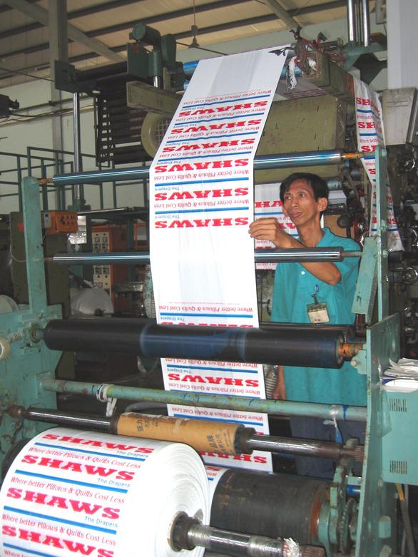 Việt Nam đáp trả điều tra chống bán phá giá sản phẩm plastic từ 3 quốc gia - Ảnh 1.