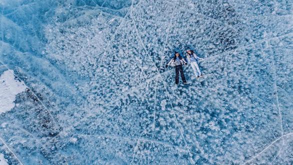 Thăm hồ nước ngọt sâu nhất, lâu đời nhất thế giới - Ảnh 9.